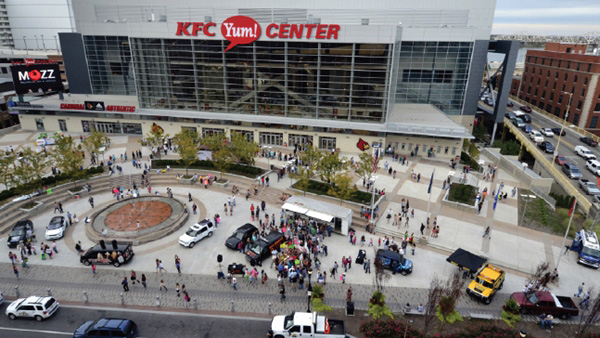 KFC Yum! Center: Energizing the Sports and Entertainment Experience with Digital Signage